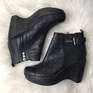 Jambu Olivia wedge booties size 7.5